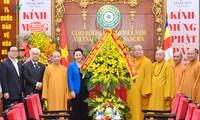 Ketua MN Vietnam, Nguyen Thi Kim Ngan berkunjung dan mengucapkan selamat kepada Dewan Pengurus Pusat Sangha Buddha Vietnam