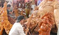 Desa kerajinan seni mengukir kayu My Xuyen