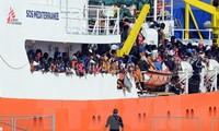 Migrant crisis: Italy begins Libya naval mission