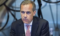 Bank of England warns no-deal Brexit risk 'uncomfortably high'