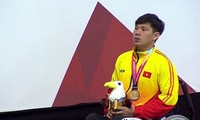 Swimmer Vo Thanh Tung breaks records at Asian Para Games 2018