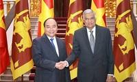 Нгуен Суан Фук принял премьер-министра Шри-Ланки