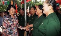 Руководители партии и государства приняли участие в празднике всенародной солидарности в разных районах страны