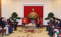 Делегация правящей партии Азербайджана посетила Вьетнам