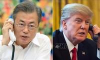 Дональд Трамп обсудил по телефону с Мун Чжэ Ином итоги саммита США - КНДР