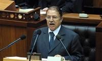 ООН приветствует усилия по мирной смене власти в Алжире
