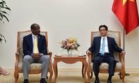 Вице-премьер Вьетнама принял вице-президента Республики Сейшельские Острова