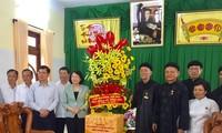 Вице-президент СРВ поздравила административный совет школы Чистой Земли Вьетнама с «Весак – 2019»
