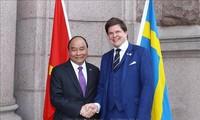 Премьер-министр Вьетнама встретился с председателем парламента Швеции