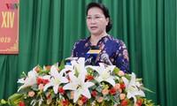 Председатель НС СРВ встретилась с избирателями уезда Фонгдиен города Кантхо