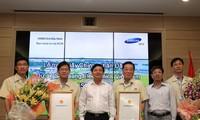 Trao giấy chứng nhận đầu tư thêm 1 tỷ USD cho Công ty Samsung