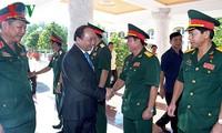 Thủ tướng Nguyễn Xuân Phúc thăm Quân Khu 9