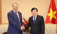 Khuyến khích doanh nghiệp dầu khí Nga mở rộng đầu tư vào Việt Nam