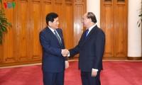 Thủ tướng Nguyễn Xuân Phúc tiếp nguyên Thị trưởng thành phố Osan, Hàn Quốc
