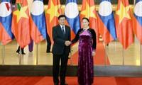 Chủ tịch Quốc hội Nguyễn Thị Kim Ngân tiếp Thủ tướng Lào Thongloun Sisoulith