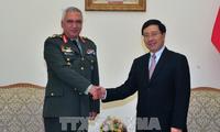 Phó Thủ tướng, Bộ trưởng Ngoại giao Phạm Bình Minh tiếp Chủ tịch Ủy ban Quân sự Liên minh châu Âu