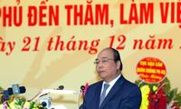 """Thủ tướng Nguyễn Xuân Phúc dự lễ kỷ niệm 45 năm Chiến thắng """"Hà Nội - Điện Biên Phủ trên không"""""""