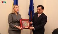 Đại sứ Việt Nam tại Ucraina làm việc với Chủ tịch Nhóm Nghị sỹ hữu nghị Ucraina - Việt Nam