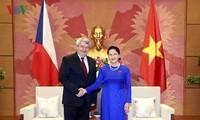 Chủ tịch Quốc hội Nguyễn Thị Kim Ngân tiếp Phó Chủ tịch Hạ viện Cộng hòa Séc