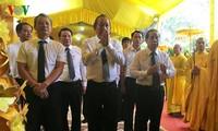Phó Thủ tướng Thường trực Chính phủ Trương Hòa Bình viếng Hòa thượng Thích Đức Phương