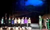 """Kỷ niệm 50 năm Chiến thắng Ngã ba Đồng Lộc: Lắng đọng đêm công diễn vở kịch """"Khoảng trời con gái"""""""
