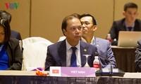 Xây dựng Cộng đồng ASEAN hướng tới người dân và không vũ khí hạt nhân