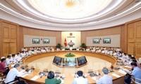 Thủ tướng Nguyễn Xuân Phúc chủ trì thảo luận về tình hình kinh tế xã hội