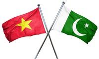 Lãnh đạo Việt Nam gửi điện mừng lãnh đạo Pakistan