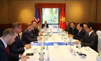 Phó Thủ tướng Trịnh Đình Dũng tiếp đại diện một số doanh nghiệp lớn của Hoa Kỳ đang đầu tư tại Việt Nam