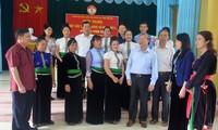 Thường trực Ban Bí thư Trần Quốc Vượng tiếp xúc cử tri thị xã Nghĩa Lộ, tỉnh Yên Bái