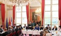 Chủ tịch Quốc hội Nguyễn Thị Kim Ngân làm việc với Nhóm Nghị sỹ hữu nghị Pháp – Việt và 15 doanh nghiệp lớn của Pháp