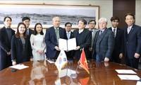Trường Đại học Quốc gia Incheon (Hàn Quốc) ký thỏa thuận cấp học bổng cho sinh viên Việt Nam