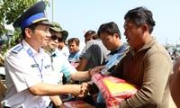 Bộ Tư lệnh vùng Cảnh sát biển 2 đồng hành cùng ngư dân
