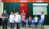 VOV trao tặng xe đạp, học bổng cho học sinh nghèo miền núi