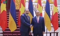 Thủ tướng Nguyễn Xuân Phúc hội đàm với Thủ tướng Thủ tướng Cộng hoà Armenia