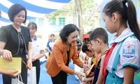 Trao 70.000 ly sữa cho trẻ em có hoàn cảnh khó khăn tại Thái Nguyên