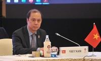Trưởng SOM ASEAN Việt Nam Nguyễn Quốc Dũng: Vấn đề Biển Đông thu hút sự quan tâm tại AMM - 52