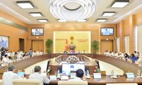 Ủy ban Thường vụ Quốc hội thảo luận về Bộ Luật lao động sửa đổi và dự án Luật Thư viện