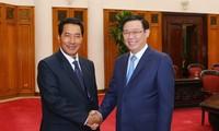 Phó Thủ tướng Vương Đình Huệ tiếp Phó Chủ tịch Quốc hội Lào Bounpone Bouttanavong