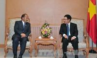 Deputi PM, Menlu Vietnam Pham Binh Minh menerima Menteri Perdagangan Nepal