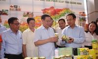 Program OCOP akan menstandarisasi  2.400 produk sampai tahun 2020