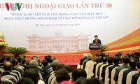 Diplomasi berjalan seperjalanan dengan badan usaha Vietnam untuk mengatasi kesulitan dan melakukan integrasi.