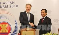 WEF-ASEAN 2018 menyosialisasikan citra tentang satu kawasan ASEAN yang bersolidaritas, makmur dan mandiri
