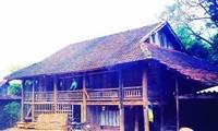 Adat istiadat kebudayaan melalui rumah panggung dari warga etnis minoritas Thai