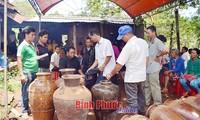 Adat memberi barang sebagai  balasan dari warga etnis minoritas Stieng
