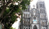 Perkenalan  sepintas lintas tentang komunitas Katolik di Vietnam.