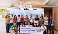 """VOV5 melakukan pertemuan dan menyampaikan penghargaan """"Pendengar Tipikal tahun 2018"""" di Jakarta, Indonesia"""