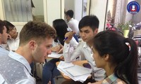 Perkenalan VOV tentang penggunaan bahasa Perancis di Vietnam