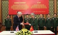 Vietnam, UK boost defence cooperation