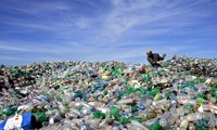 Countries work to reduce plastic waste